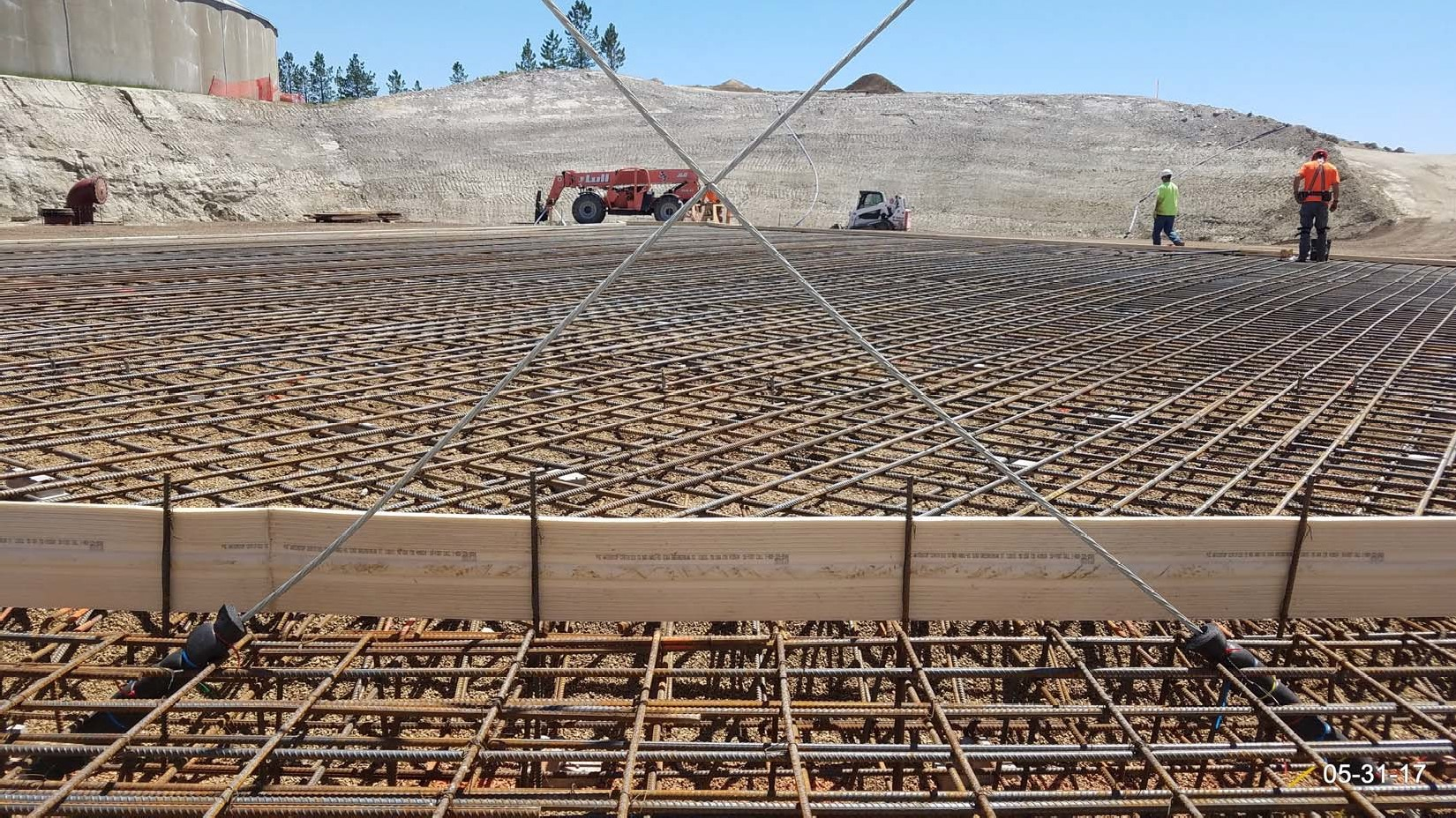 Looking SW: Upper wall portion of the seismic cables tied together in near final geometry for floor pour.