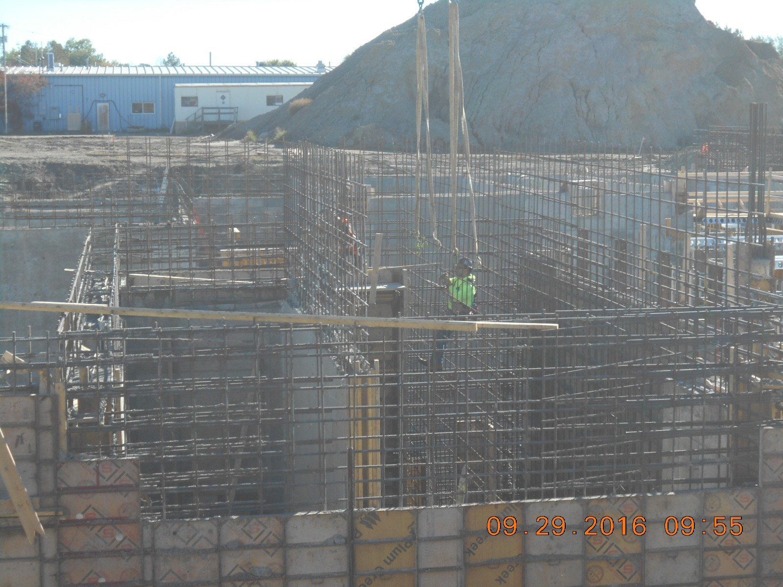 Harris Rebar placing the wall reinforcing for the Wet Well baffle wall W608.