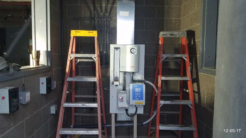Picture of the chlorine control mounted on stand.